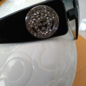 Versace Accessories - 💯 authentic Versace sunglasses